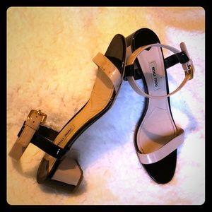 Miu Miu Bicolor Patent Leather Sandals nude/ black